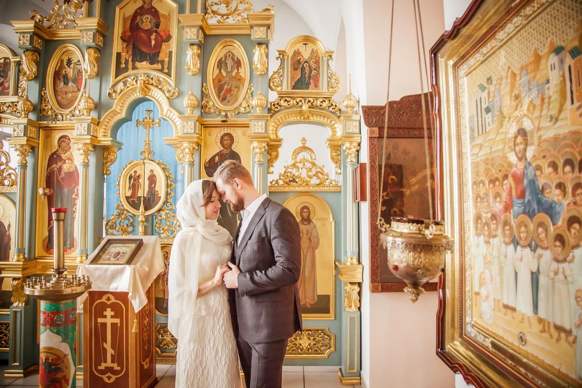 венчание фотосъемка венчания в церкви знаем лысого супергероя